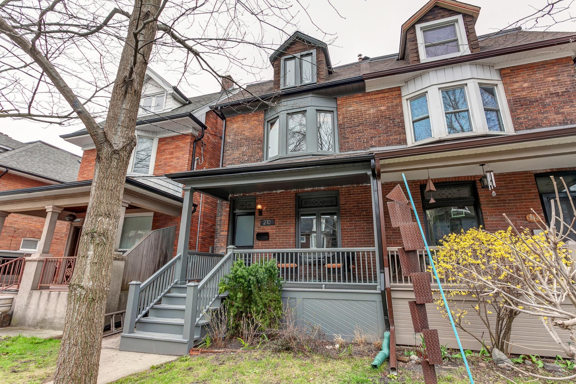 Read more about the article 210 St Clarens Avenue